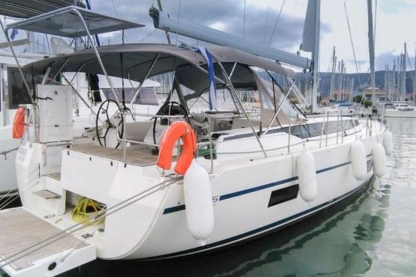 Bavaria C45 - Outlander - Medsail-Malta-Malta Charters - Marina