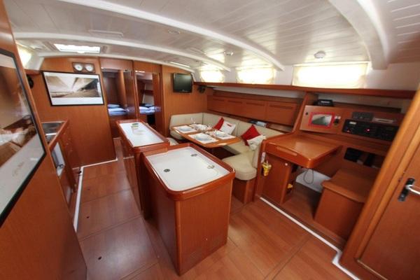 Beneteau Cyclades 50 - Moonbreeze - Medsail-Malta-Malta Charters - Interior