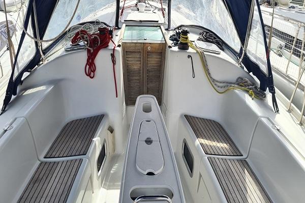 Beneteau Oceanis 43.4 - Moonspirit -Medsail Malta Yacht Charters - Cockpit