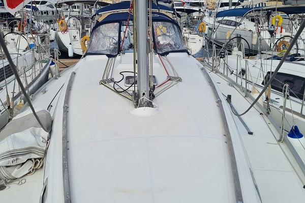 Beneteau Oceanis 43.4 - Moonspirit -Medsail Malta Yacht Charters - Deck Space
