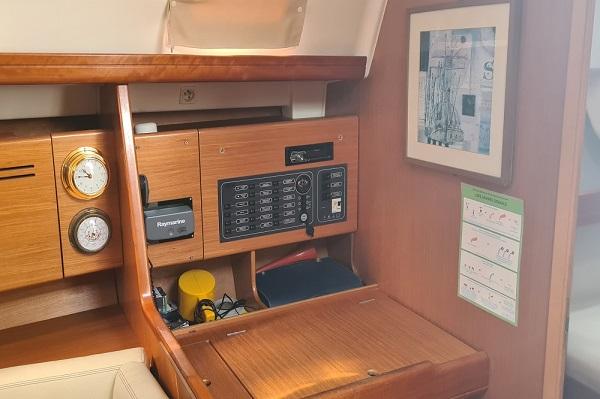Beneteau Oceanis 43.4 - Moonspirit -Medsail Malta Yacht Charters - Pilot Station