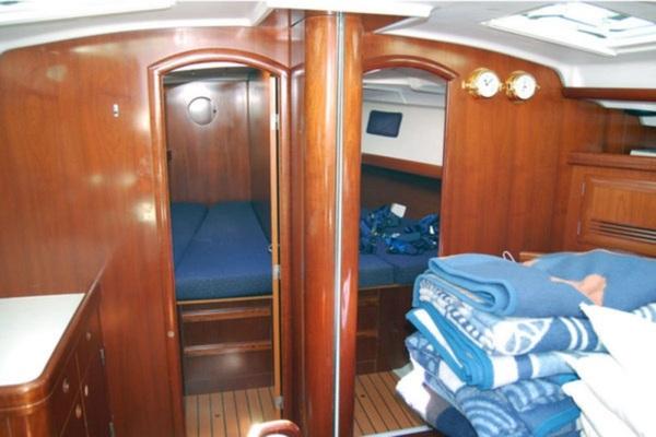 Beneteau Oceanis 473 - Solveig -Medsail-Malta- Malta Charters - Interior