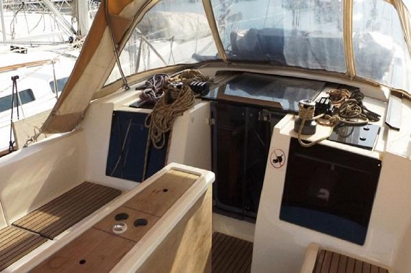 Dufour 410 -Medsail- Malta Charters - Cockpit