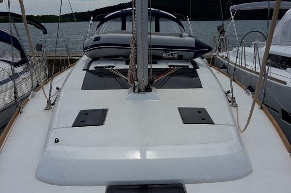 Dufour 410 - Medsail-Malta Charters - Deck Space
