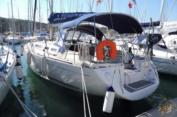 Dufour 455GL - Max - Medsail-Malta-Malta Charters - Marina